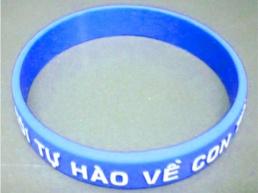 Vong-Đeo-Tay-nhựa-PVC-24